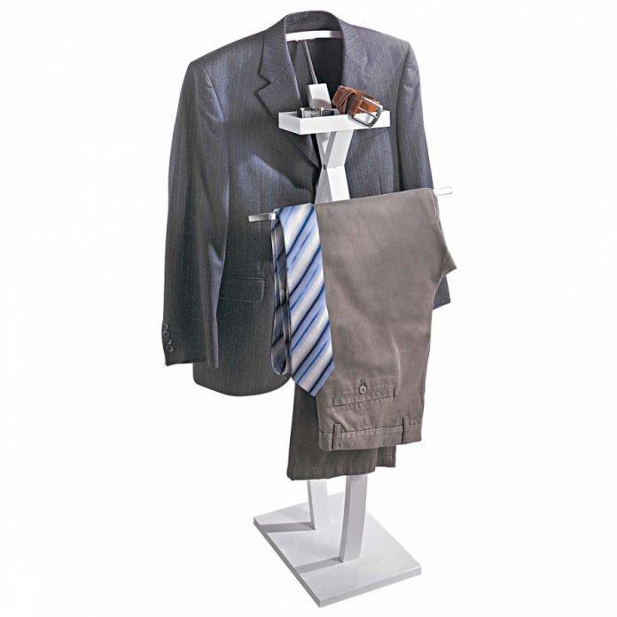 Herrendiener Alfred von Pureday Anzug