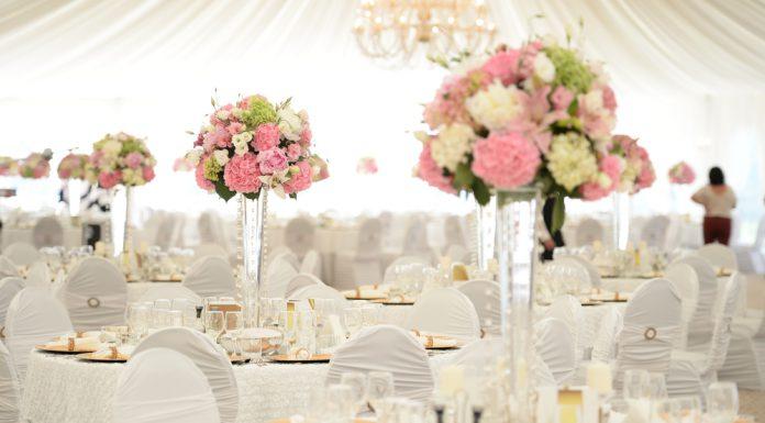 Tischdekoration Hochzeit Rose