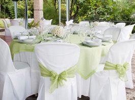 Tischdekoration-Hochzeit-Stühle-Grün