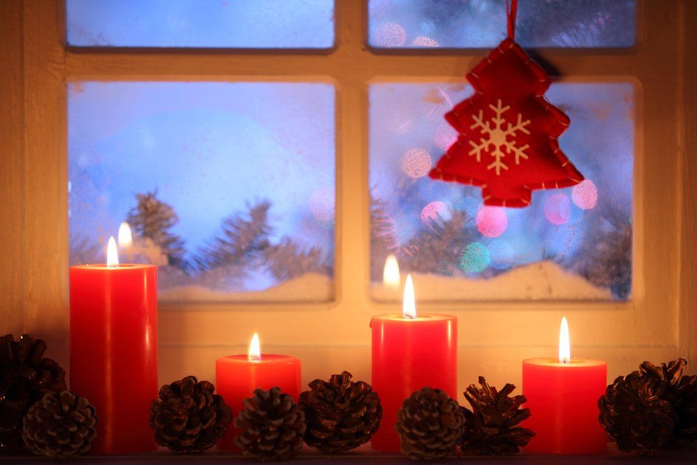 Weihnachten fensterdekoration ratgeber haus garten for Weinrote deko