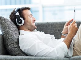 Ratgeber Laermbelaestigung Nachbarn - Musik Hoeren