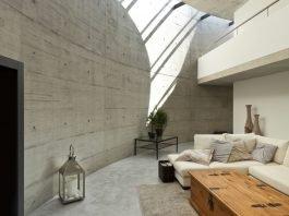 Einrichten mit hellem Holz - Kontraste Beton zu Holz