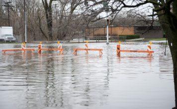 Strakregen Überflutungen Wasserschaden im Haus - Überflutung Hochwasser
