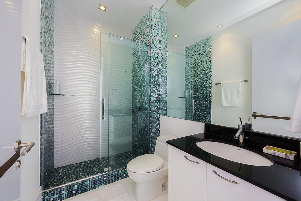 kleines badezimmer ganz gro ratgeber haus garten. Black Bedroom Furniture Sets. Home Design Ideas
