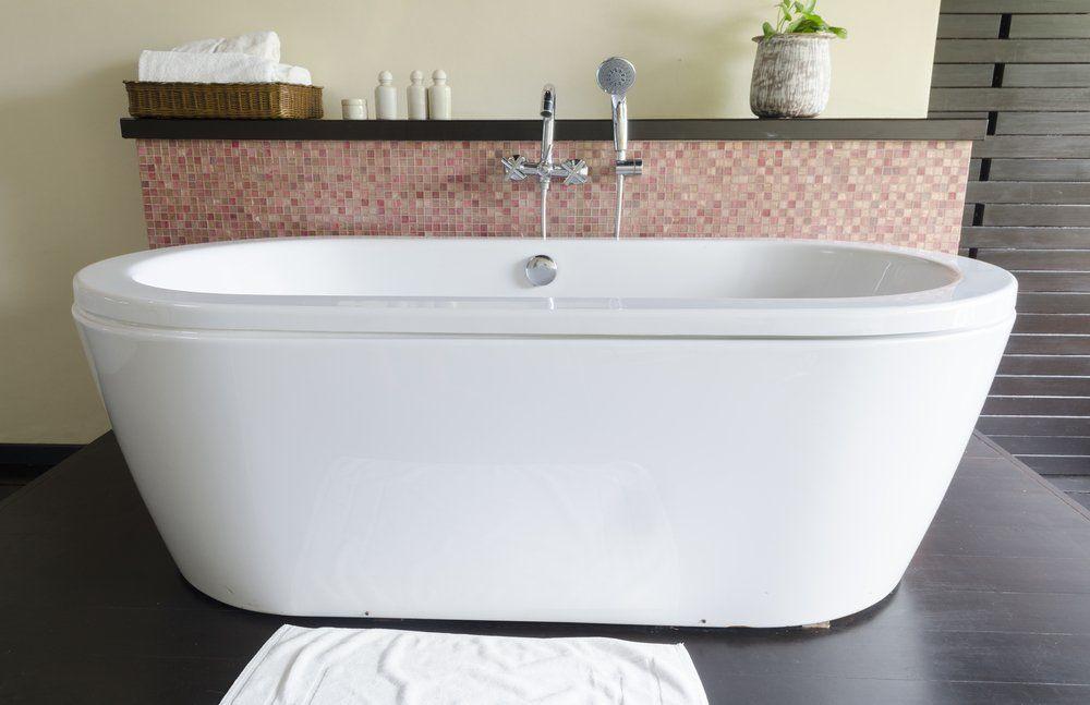 die badewanne als blickfang ratgeber haus garten. Black Bedroom Furniture Sets. Home Design Ideas