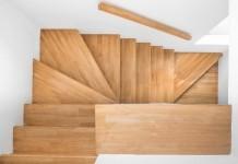 Eine Treppen können Sie mit dem verlegen von Laminat aufwerten (TaraPatta/shutterstock.com)