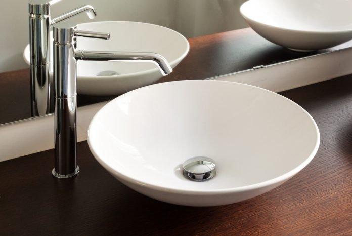 Das Waschbecken.Die Blende Verschönert Das Waschbecken Ratgeber Haus Garten