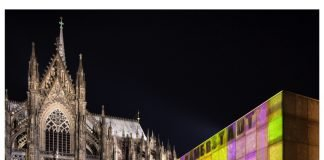 Lichtinstallation Time Drifts Cologne II