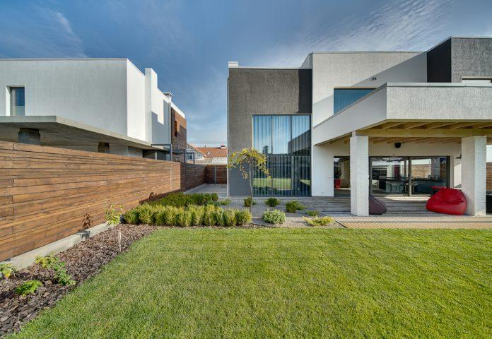 Fassadenfarbe Kubushaus Weiss Reinigen
