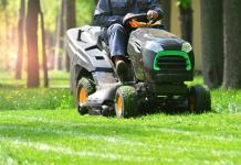 Rasen Aufsitztraktor