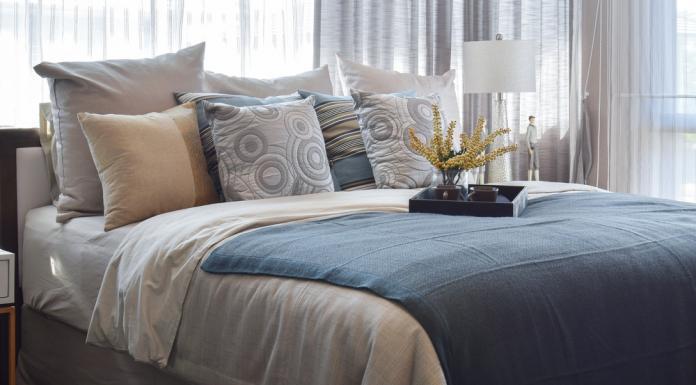 Einrichten Tipps Gemütlich Schlafzimmer Kuschelkissen Vorhang Teppich