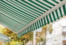 Markise neu beziehen oder doch lieber neu kaufen © Mi Pan Shutterstock